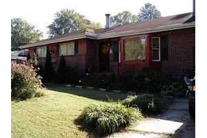 24 Warren Dr, Newport News, VA 23608