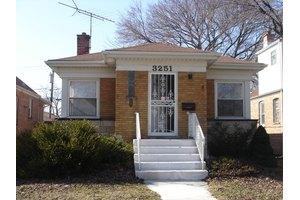 3251 W 84th St, Chicago, IL 60652