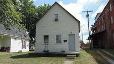 420 N West St, Winchester, IN 47394
