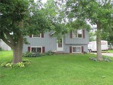 409 Water St, Center Point, IA 52213
