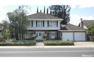 431 Evergreen Dr, Lodi, CA 95242