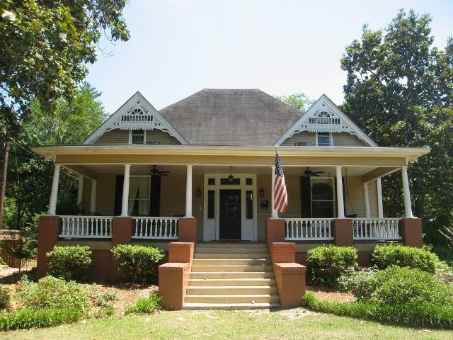 27 Kibbee St, Hawkinsville, GA 31036