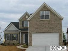 107 Planters Dr, Statesville, NC 28687