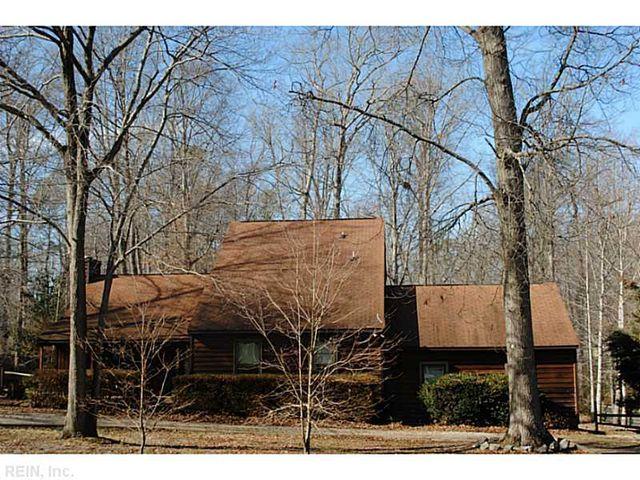 115 Chapel Hill Ln York County Va 23188 Home For Sale