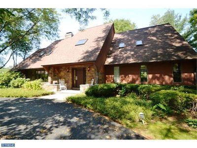 1361 Revelation Rd, Meadowbrook, PA