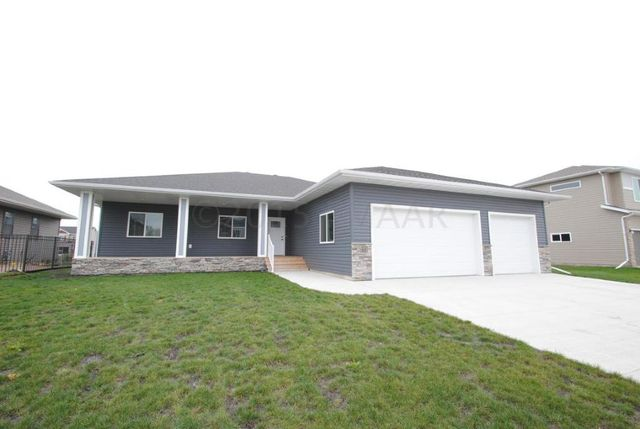 2608 6th st w west fargo nd 58078 home for sale and for Home builders in fargo nd
