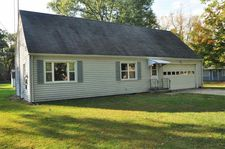 52615 Lilac Rd, South Bend, IN 46628