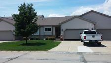 53251 Pineridge Dr, New Baltimore, MI 48051