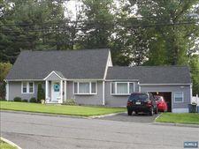 214 Brookfield Ave, Paramus, NJ 07652