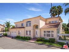 13730 Mammoth Pl, Sherman Oaks, CA 91423