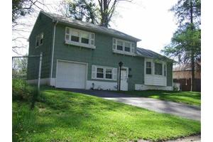 7 Redwood Rd, Saugerties, NY 12477