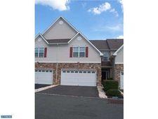 227 Brinley Dr, Hopewell, NJ 08534