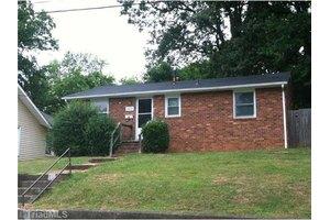 1207 NE 23rd St, Winston Salem, NC 27105