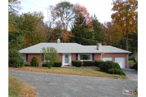 26 George St, Thomaston, CT 06787