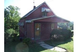 8204 Aber Rd, Penn Hills, PA 15147