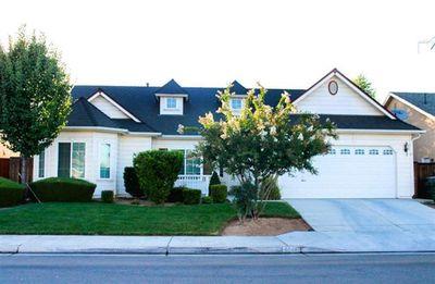 6687 N Bain Ave, Fresno, CA