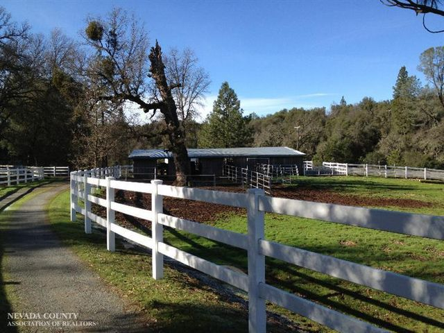 20740 Oxbow Way Grass Valley Ca 95949 Home For Sale And Real Estate Listing