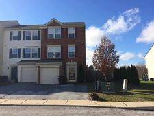 54 Forest View Ter, Hanover, PA 17331