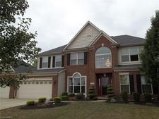 1276 W Chase Dr, Brunswick, OH 44212
