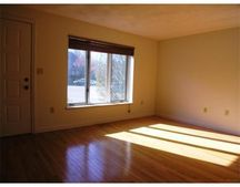 17 Deer Path Apt 2, Maynard, MA 01754