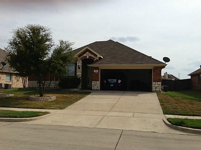 823 Fair Oaks Dr, Grand Prairie, TX 75052