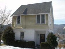 838 Mckinley St, Fairfeld Township, PA 15923