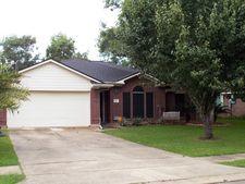 122 Papaya St, Lake Jackson, TX 77566