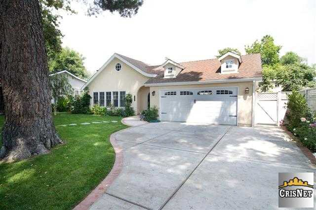 11555 Blix St North Hollywood Ca 91602 Realtor Com 174
