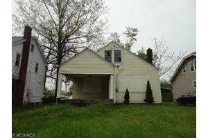 3927 Howard St, Youngstown, OH 44512