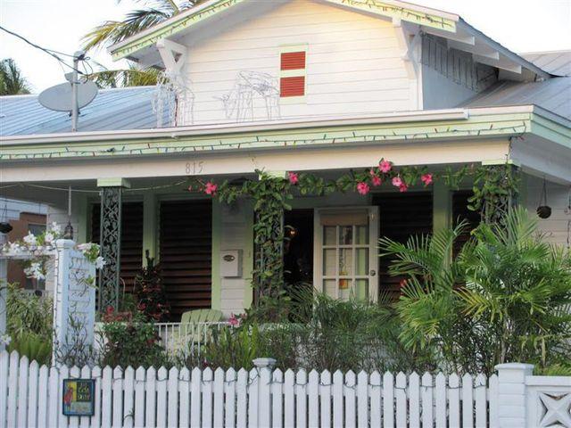 815 whitehead st key west fl 33040 2 beds 1 baths home for Bath house key west