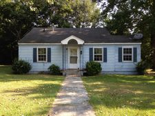 202 W 6th Ave, Red Springs, NC 28377