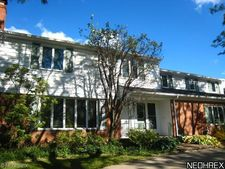 2675 Green Rd, Shaker Heights, OH 44122