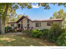 609 Arrowhead Dr, Orange, CT 06477