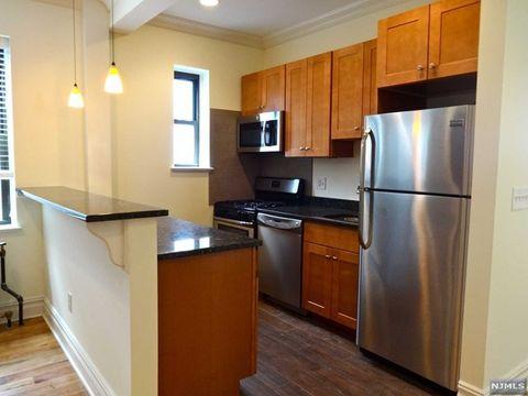 855 Broad Ave Apt 49, Ridgefield, NJ 07657