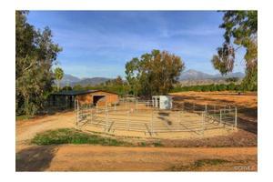 30825 6th Ave, Redlands, CA 92374