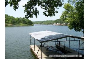 1623 Apache Point Dr, Climax Springs, MO 65324