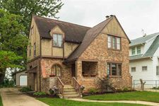 406 Parkovash Ave, South Bend, IN 46617