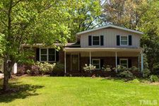 1105 Willow Dr, Chapel Hill, NC 27517