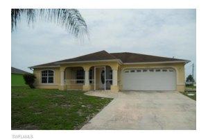 921 Alfreda Ave, Lehigh Acres, FL 33971