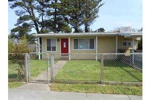 545 Reddy Ave, Crescent City, CA 95531