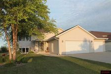 212 Cole Ct, Mankato, MN 56001
