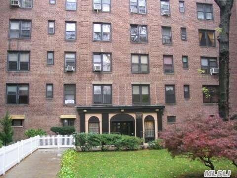 83-20 98 St Unit 4E Woodhaven, NY 11421