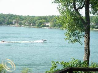 5654 pontiac trl  orchard lake  mi 48323 public property