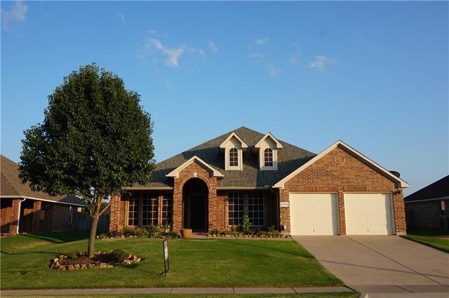 5759 derek way grand prairie tx 75052 home for sale and real estate listing. Black Bedroom Furniture Sets. Home Design Ideas