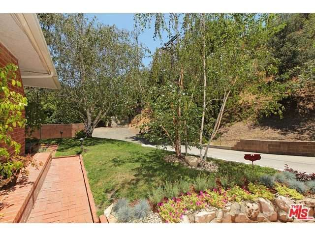13117 Garden Land Rd, Los Angeles, CA 90049