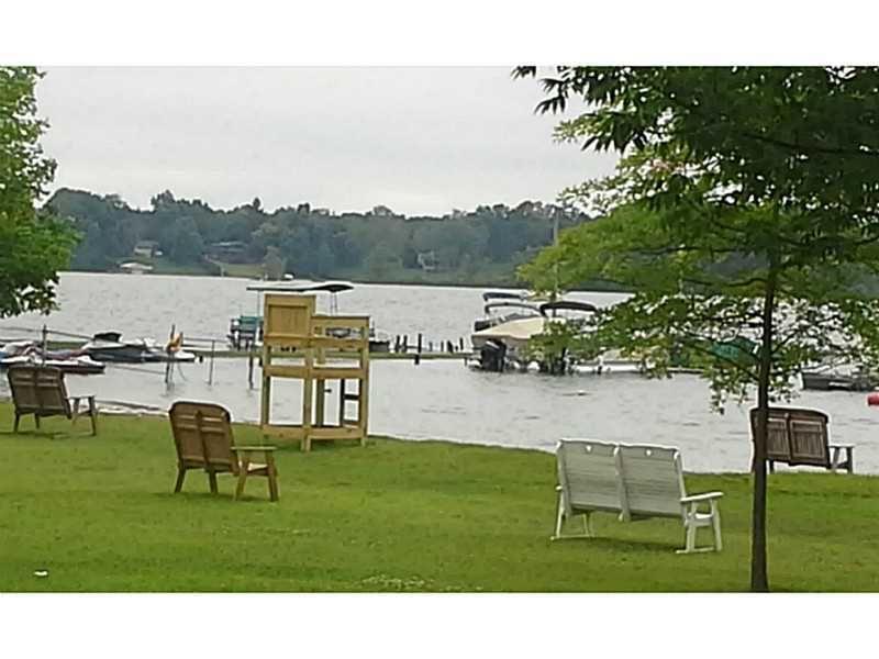 11965 lakeview dr conneaut lake pa 16316. Black Bedroom Furniture Sets. Home Design Ideas