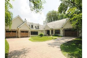 10 Hickory Ln, Northbrook, IL 60062