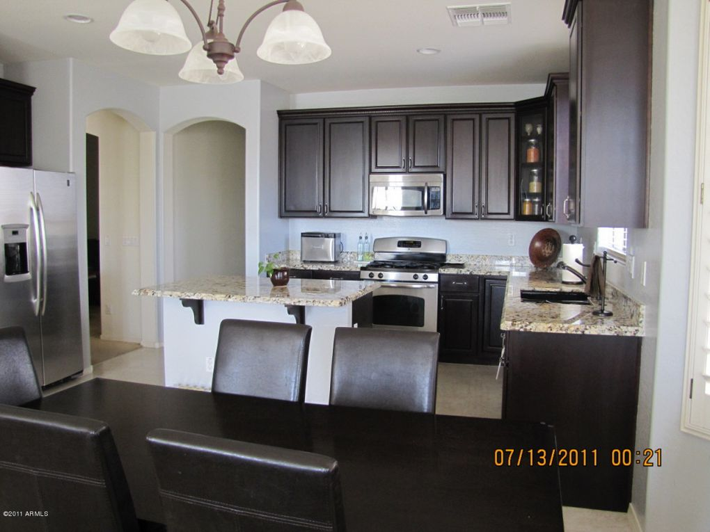 kitchens with cream cabinets 8214 s 22nd ln az 85041 realtor 174 22265