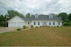 2724 Lakeview Dr, Village of Suamico, WI 54173