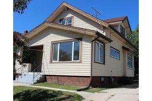 1624 Saemann Ave, Sheboygan, WI 53081